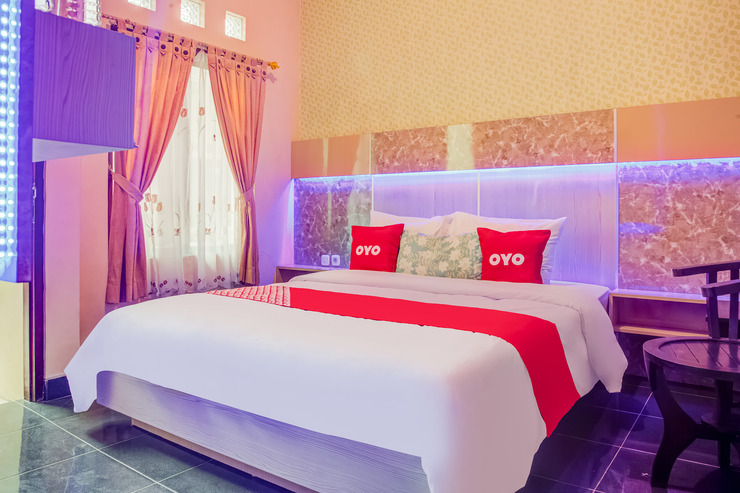 OYO 3831 Pelangi Residence Syariah Solo - Guestroom S/D