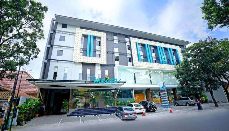 Meize Hotel Bandung - Tampilan Luar Hotel