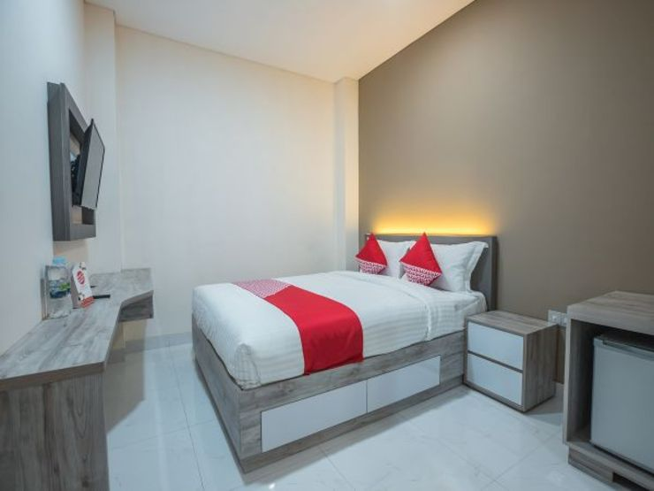 OYO 1487 Residence Khoe Jakarta - Bedroom