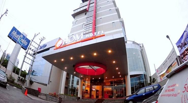 Hom Hotel Semarang - Tampilan Luar Hotel