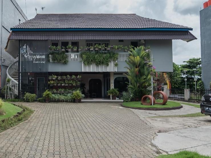 RedDoorz Plus Syariah @ Banjarbaru Banjarmasin - Exterior