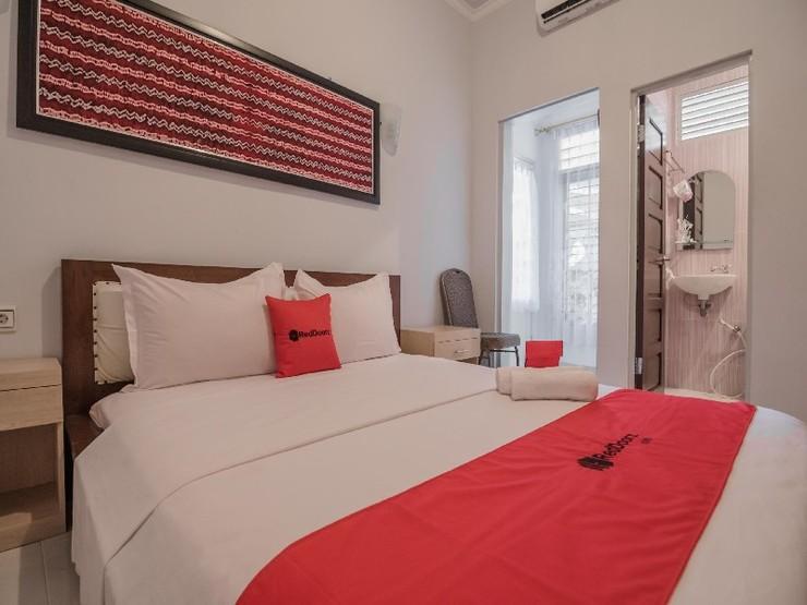 RedDoorz Plus @ Banjarbaru Banjarmasin - Guestroom