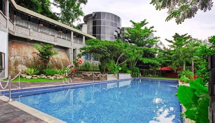 Oak Tree Emerald Semarang - Kolam Renang