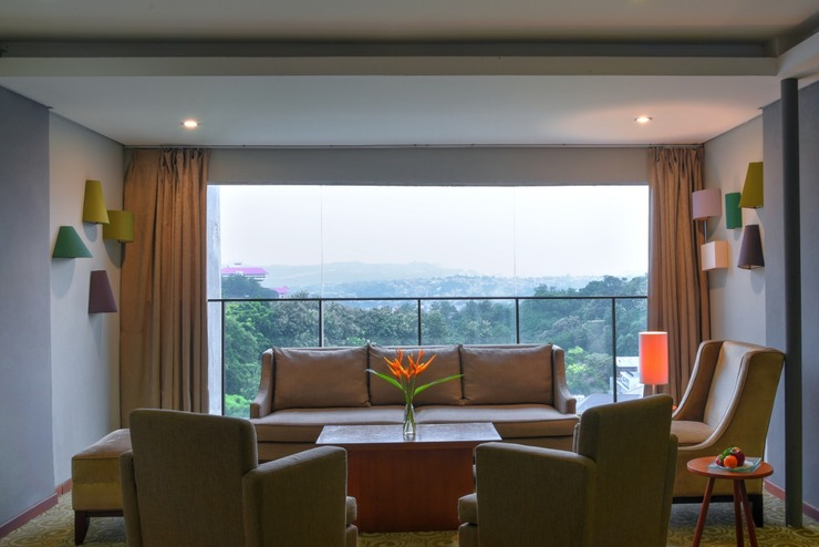 Oak Tree Emerald Semarang Managed by The Ascott Limited - Lounge
