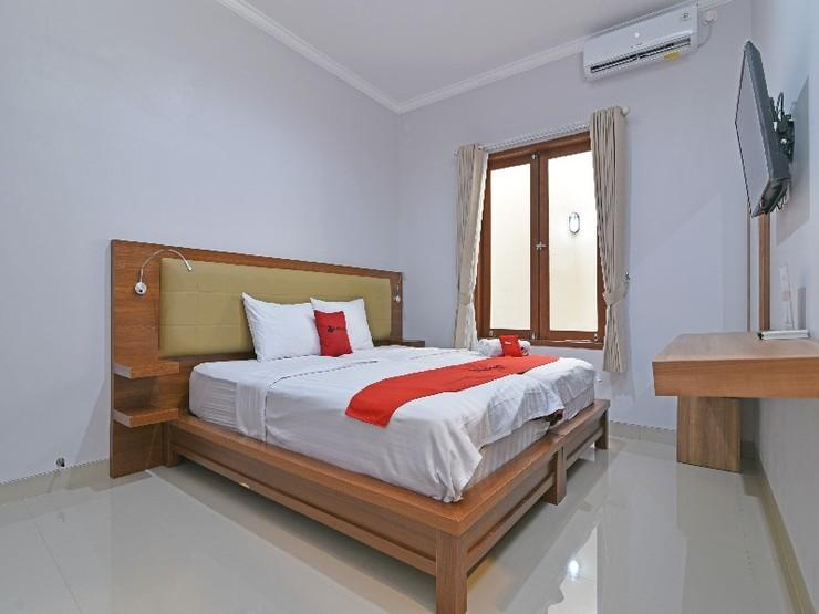 RedDoorz @ Kerobokan Kuta Bali - Guestroom