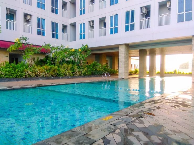 Simply Studio Apartment @ Grand Dhika City By Travelio Bekasi - Kolam renang