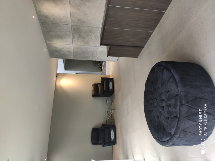 Zoe Guest House Bandung - LOBY