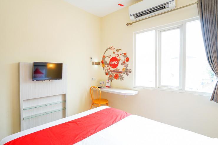 OYO 221 Pratisarawirya  Surabaya - In room amenity