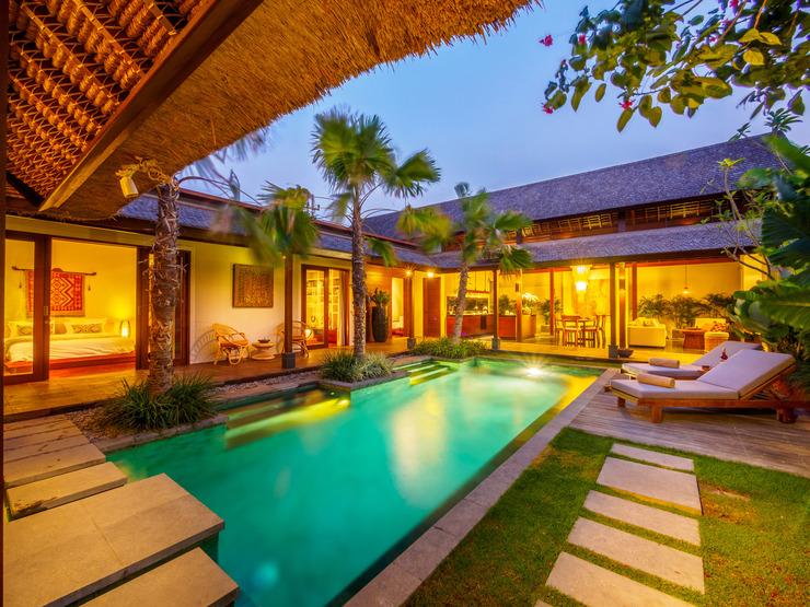 Villa Alamanda Bali - Pool