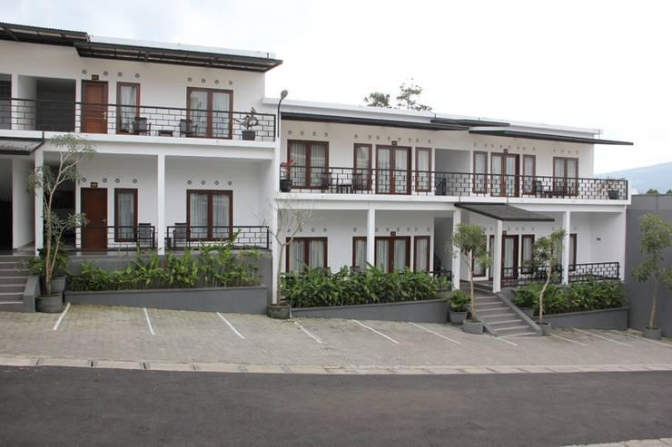 Radiant Villa Lembang - Tampilan Luar Villa