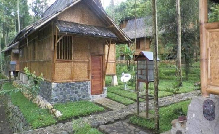 Alamat Villa Kampung Karuhun Sutan Raja - Bandung