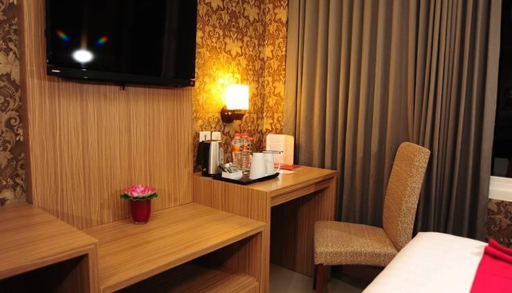 Fave Hotel Rembang - Suite Room