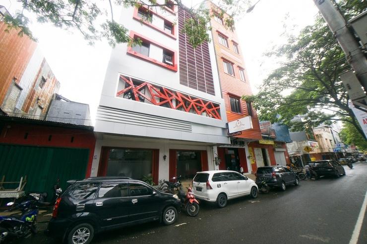 RedDoorz near Ambon Plaza Ambon - Photo