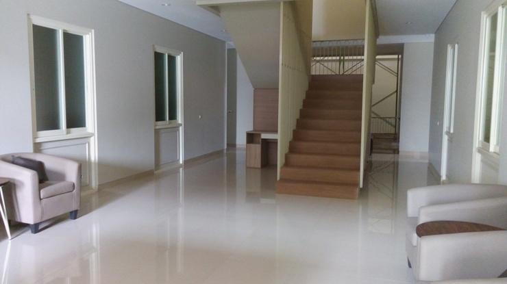 Home 899 Patal Senayan Jakarta - Living Room At Lobby