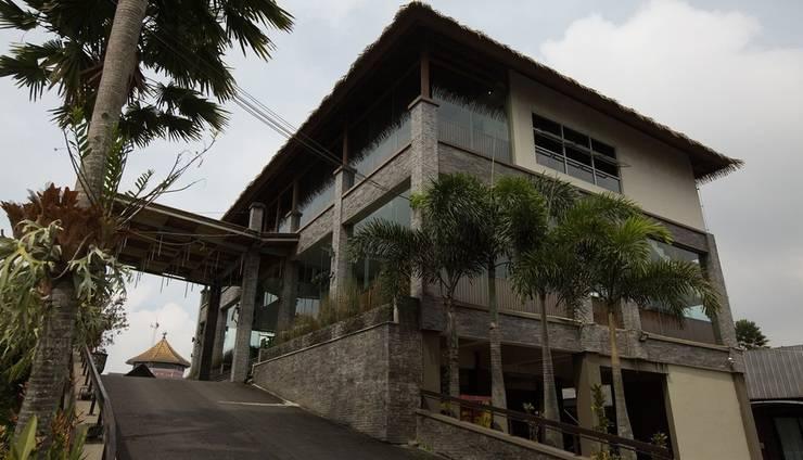 Hotel Pesona Bamboe Bandung - depan