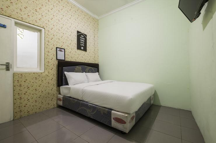 OYO 2676 Cathaleya Homestay Syariah Karawang - Bedroom