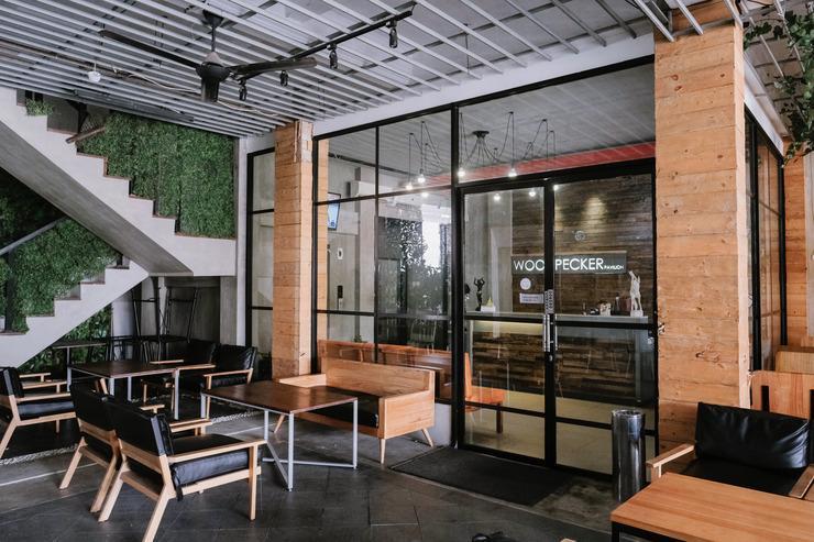 Woodpecker Hotel Yogyakarta - lounge