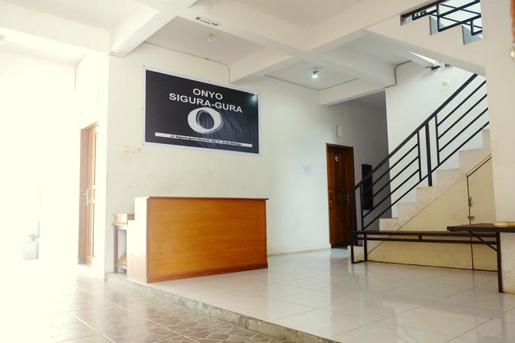Onyo Sigura-gura Inn Malang - Lobi
