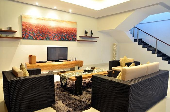 4 BR 2 Villa Dago City View Pool 2 Bandung - Living room