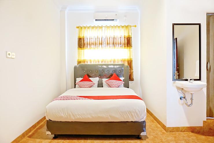 OYO 694 Khasanah Residence Pekanbaru - Bedroom