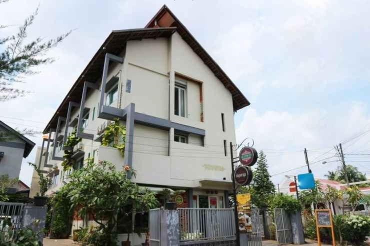 Roemah 28 Syariah Boutique Hotel Medan - Facade