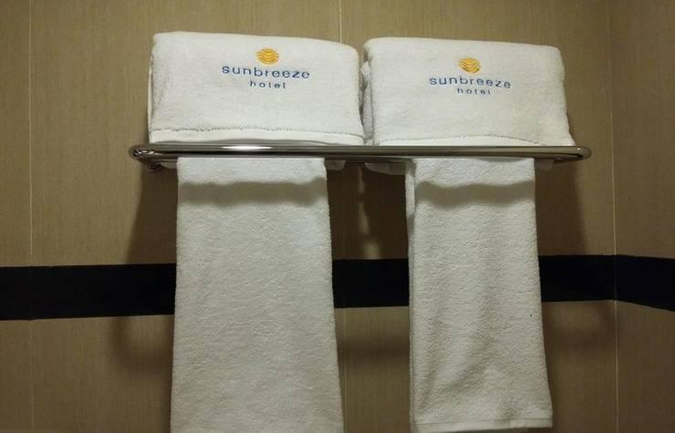 Sunbreeze Hotel Jakarta - Towel