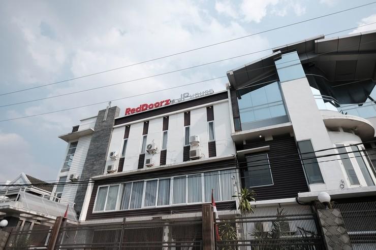 RedDoorz @ Setiabudi Medan 2 Medan - Photo