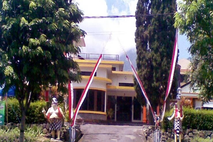 Aster Hotel & Restaurant Malang - Tampilan Luar Hotel