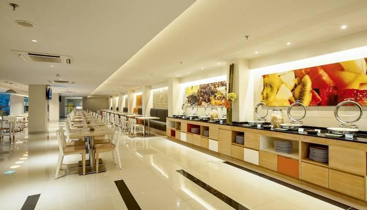 HARRIS Hotel Seminyak Bali - HARRIS Cafe