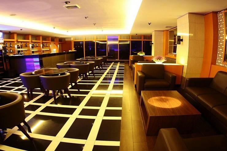 Aswin Hotel & Spa Makassar - Bar Lounge