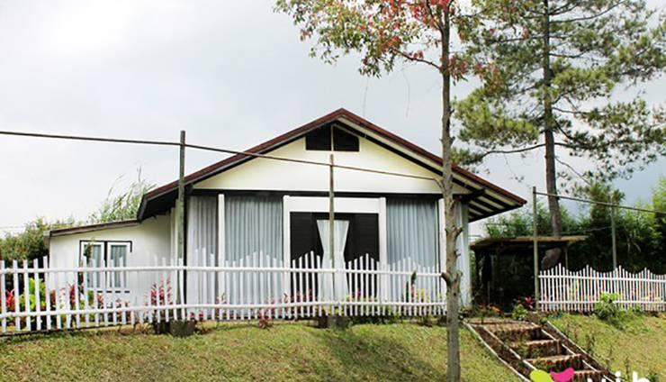 Villa Istana Bunga 2 Bedrooms Bandung - lavender