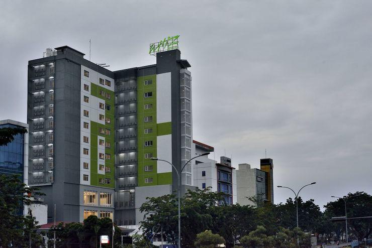 Whiz Hotel Sudirman Pekanbaru - Exterior
