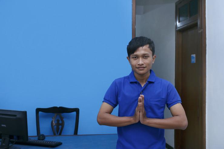 Airy Eco Syariah Rungkut Raya Medokan Sawah 28 Surabaya Surabaya - Receptionist