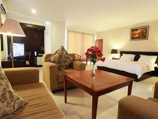Plaza Hotel Tegal - Kamar Junior