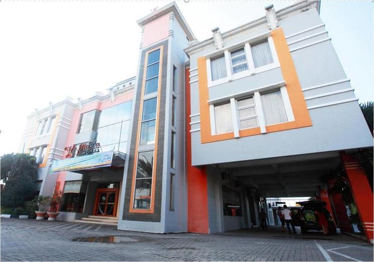 Horison Plaza Tegal - Facade
