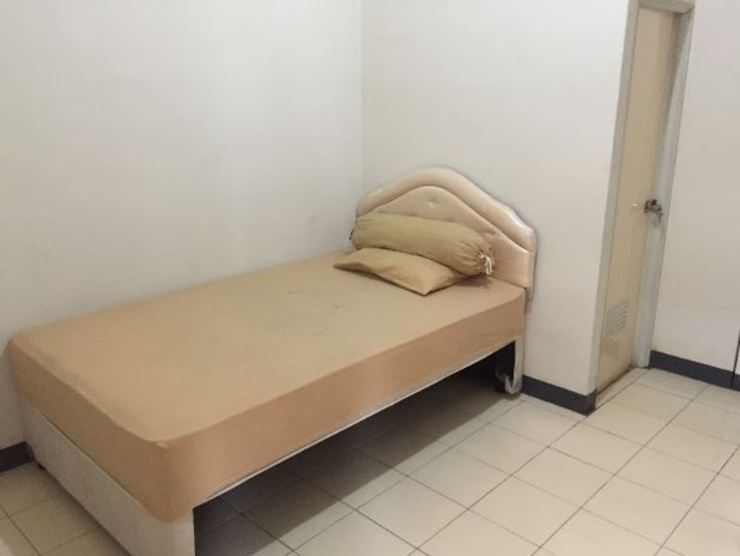 OYO Life 2709 Kost Cirendeu Tangerang Selatan - Guest Room