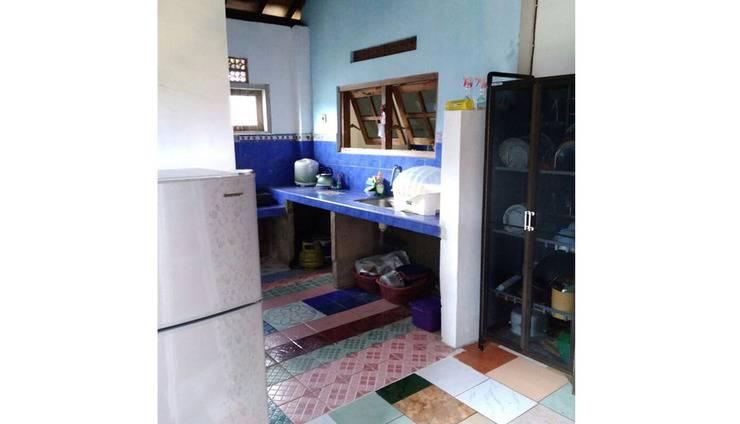 Jati Classic Homestay Banyuwangi - Kitchen