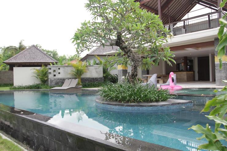 Water Edge Villa Bali - Pool