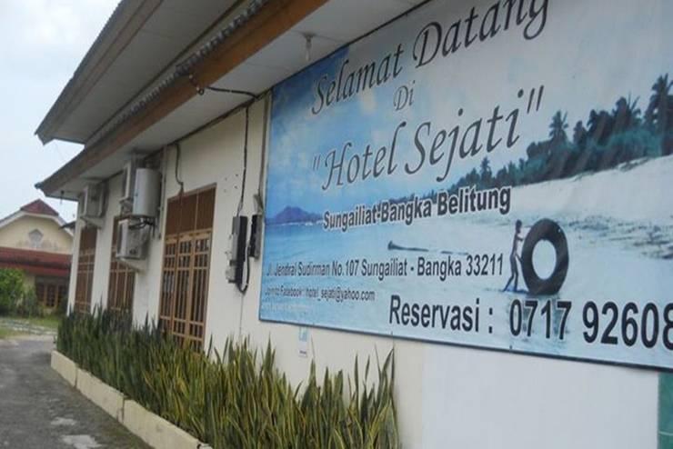 Sejati Hotel Bangka - Tampilan Luar Hotel