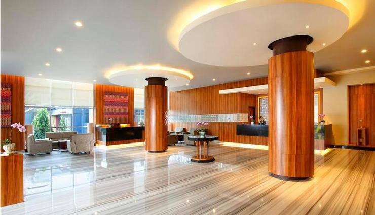 Hotel Santika Makassar - Lobby