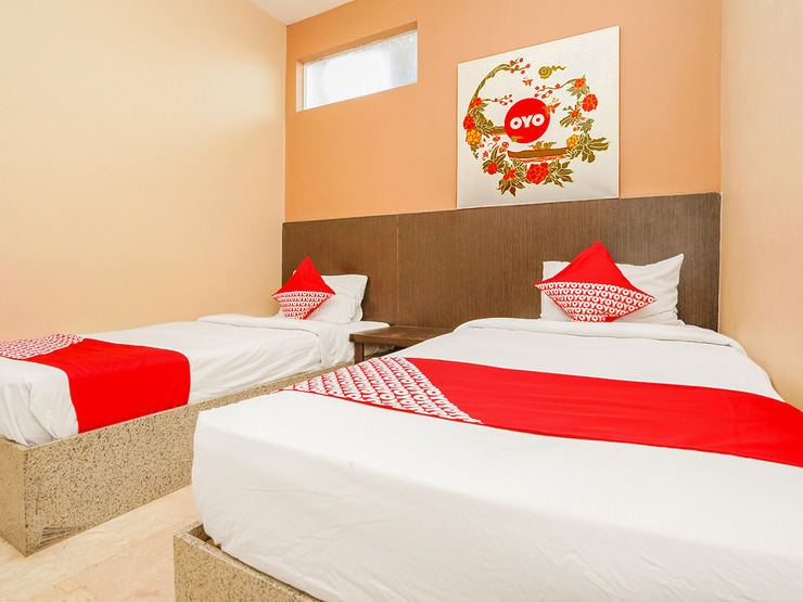 OYO 1093 Hotel Griyo Avi Surabaya - Bedroom Su/F