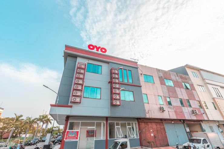 OYO 2230 Ava Guest House Jakarta - Facade