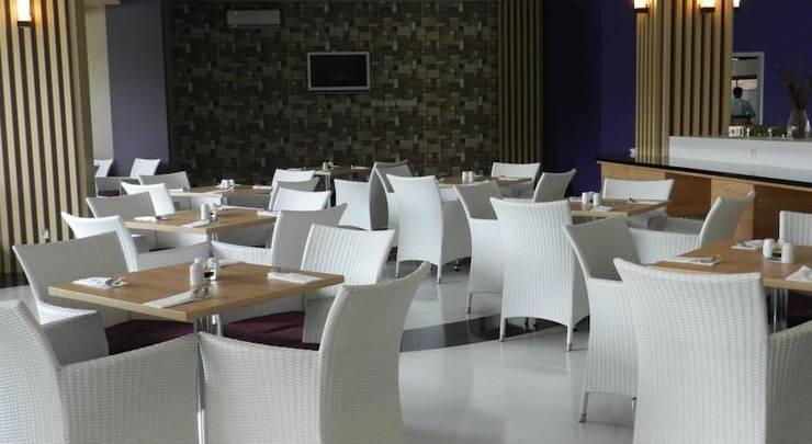 Salis Hotel  Setiabudi - Ruang makan