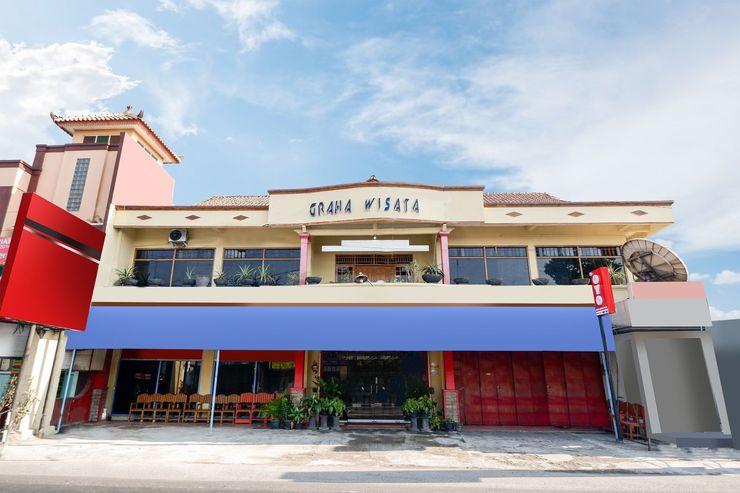 OYO 1312 Graha Wisata Hotel Solo - Facade