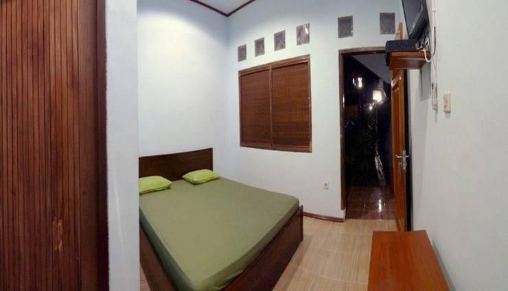 Pondok Wulan Guesthouse Pangandaran - Kamar Standar Ac TV