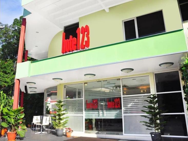 Hote123 Kuala Lumpur - Featured Image