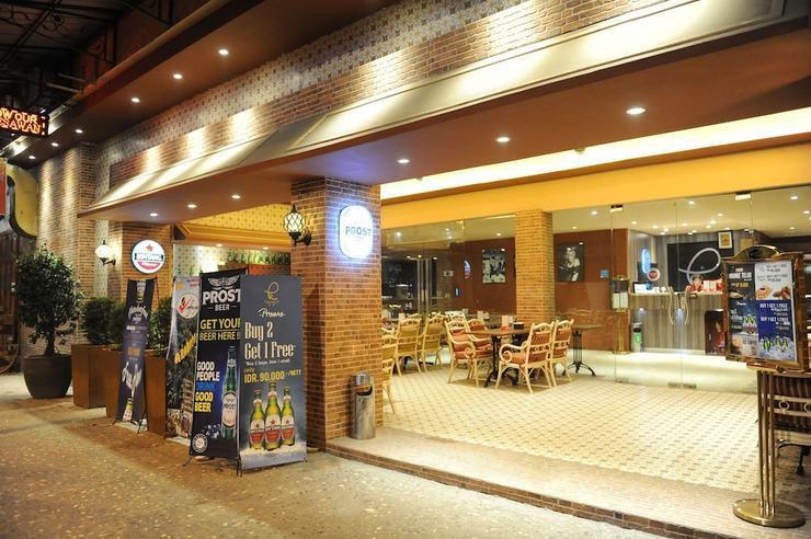 Kama Hotel Medan - Featured Image