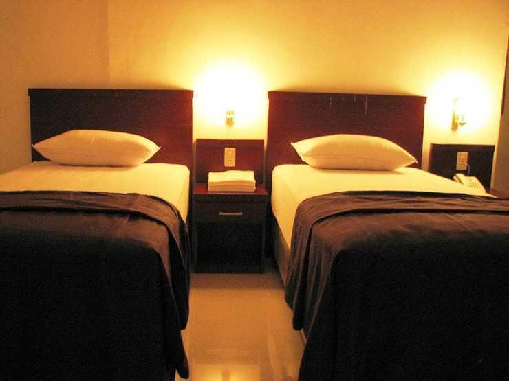 Kama Hotel Medan - Guestroom