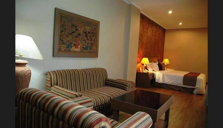 Riyadi Palace Hotel Solo - Living Area