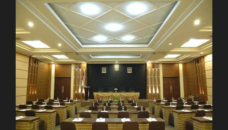 Riyadi Palace Hotel Solo - Meeting Facility